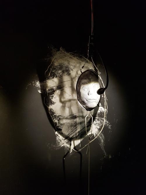Alter, Act I, avec Isaac Cordal ©Streep.fr